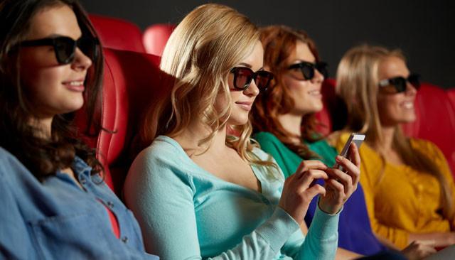Móviles y segunda pantalla ¿en el cine?