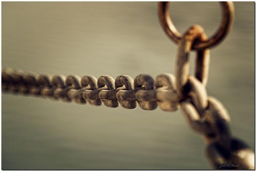 El eterno, y tortuoso, uso de las cadenas y los bulos