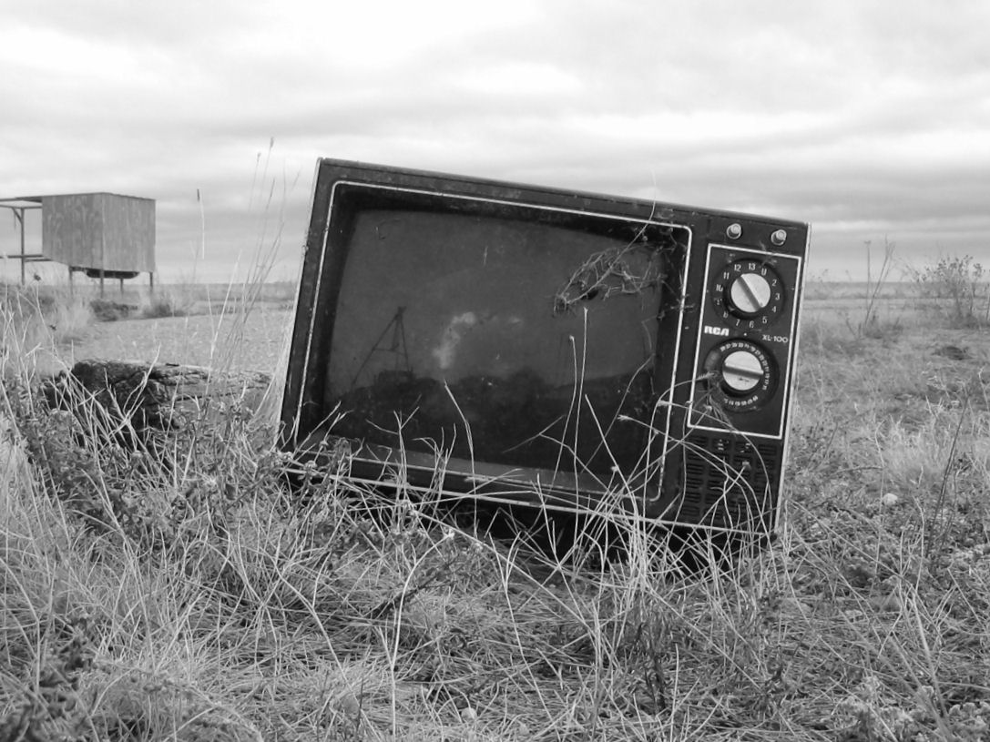 televisor abandonado